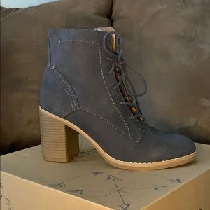 Charcoal Boot Wedge